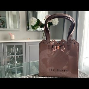 NWOT Ted Baker shopper bag in rose gold